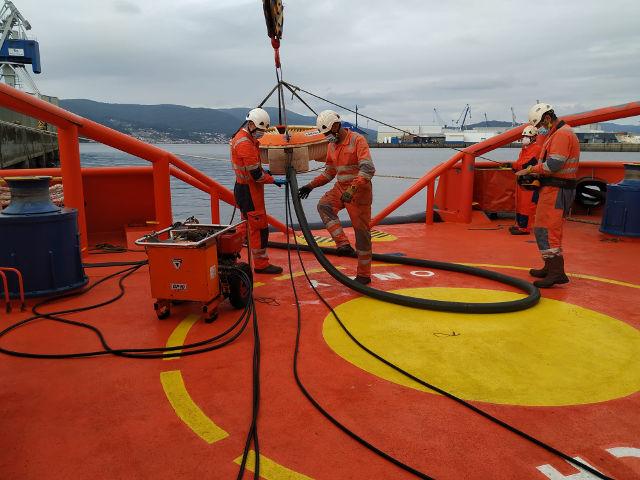 A Autoridade Portuaria e Salvamento Marítimo colaboran en prácticas contra a contaminación marina
