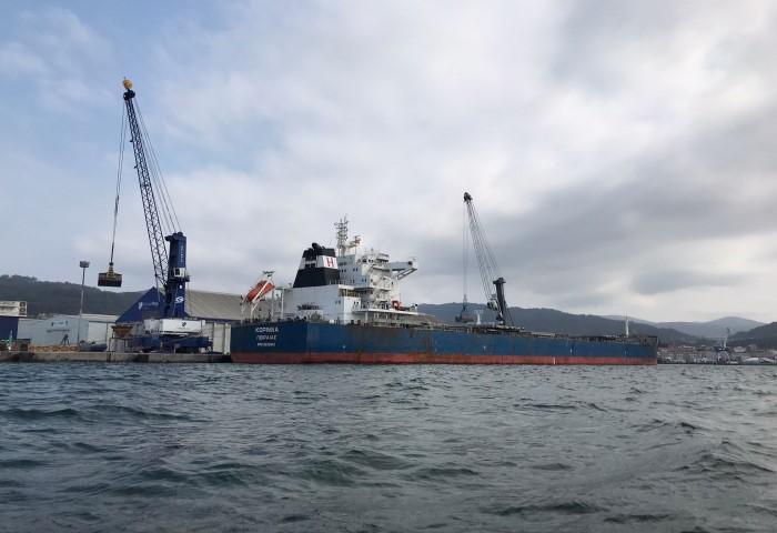 O Porto de Marín medra un 3% en volume de mercadorías ata agosto